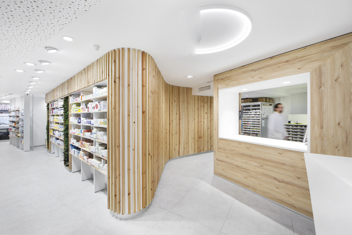 tenemos-una-farmacia-donde-da-gusto-trabajar-un-espacio-de-salud-ama