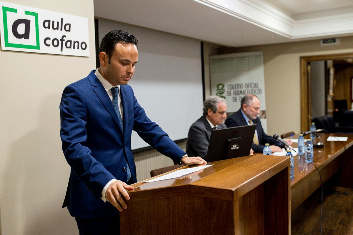 santiago-leyes-toma-posesion-como-presidente-del-cof-de-ourense