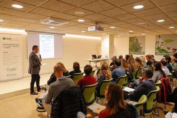 farmaquatrium-analiza-en-barcelona-las-oportunidades-y-desafios-en-la