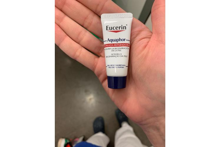 Eucerin® dona a las UCIs 100.000 monodosis de Aquaphor