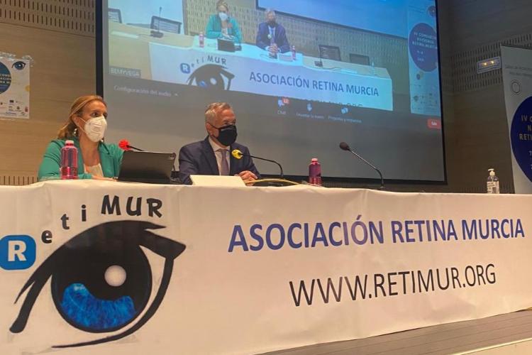 fundacion-hefame-reconoce-el-esfuerzo-investigador-en-el-iv-congreso-de-retina