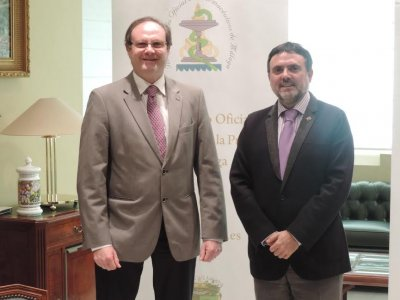 acuerdo entre el cof de mlaga y la sefac para impulsar los servicios profesionales farmacuticos