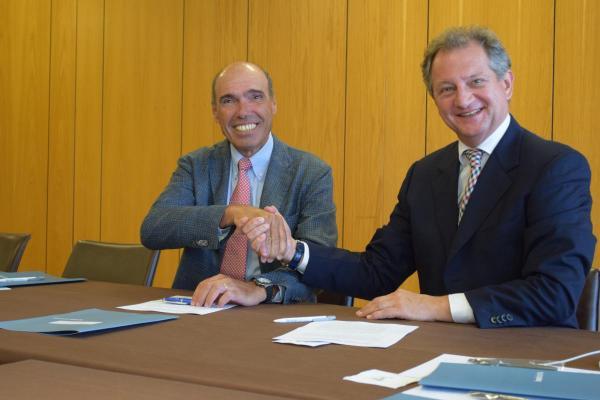 acuerdo semi farmaindustria para reforzar la credibilidad de la relacioacuten entre meacutedicos e industria
