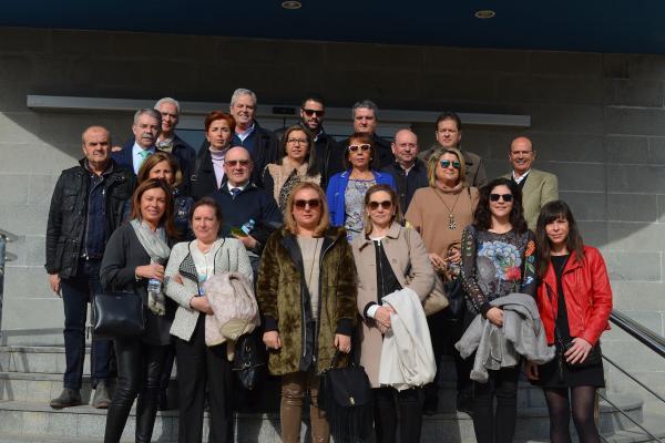 algunos socios de almeriacutea de grupo hefame visitan las instalaciones centrales de la cooperativa