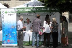 los farmacuticos de zaragoza salen a la calle para informar sobre la proteccin solar