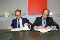 el cofm y bancofar renuevan el convenio financiero para 20132014