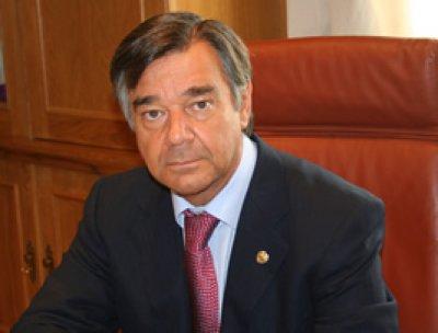 la candidatura de luis gonzalez a la junta de gobierno del cofm ya esta oficialmente  electa