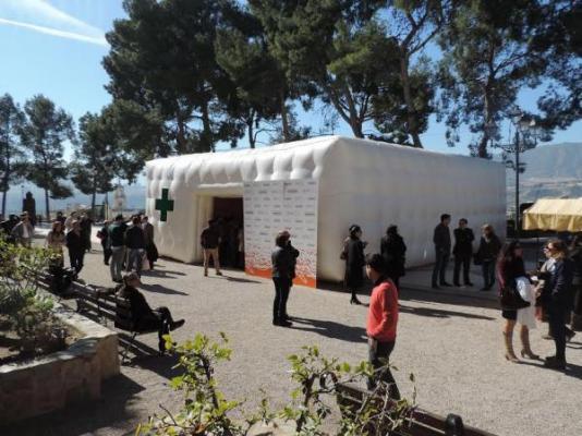 la carpa de servicios farmacuticos de sefac en abarn acoge a ms de 500 personas