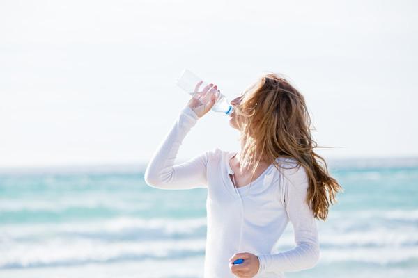 el cgcof pone en marcha la campaa sanitaria cinco claves en hidratacin