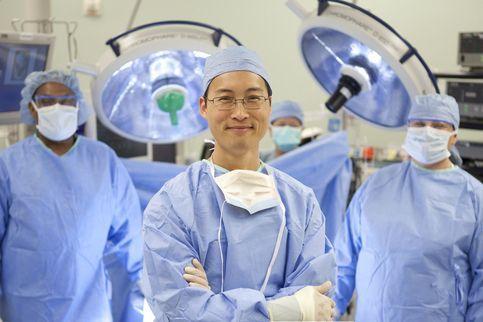 la cirugiacutea mejor que el tratamiento farmacoloacutegico en un tipo de osteoporosis