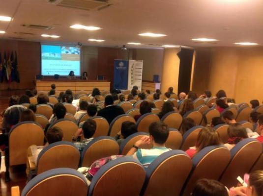 convenio de la universidad de jaan y farmamundi en defensa de la salud universal