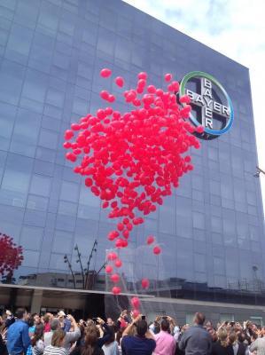 los empleados de bayer vuelven a demostrar su compromiso con las personas afectadas por la hemofilia