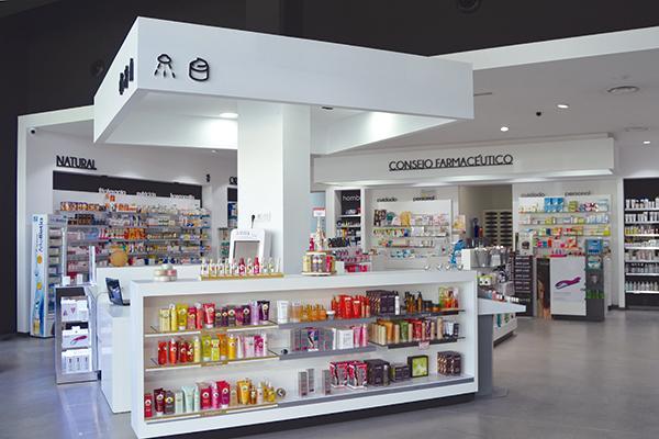 quotel espacio y la luz convierten la farmacia en un lugar increiacuteble donde nos gusta entrar y trabajarquot