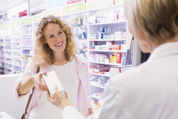 el farmaceacuteutico deberiacutea estar cobrando por los servicios que ofrece en su botica
