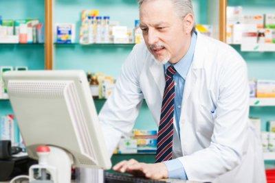 los farmaceuticos murcianos podran dispensar medicinas a enfermos polimedicados en estuches