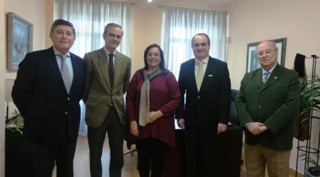 las farmacias andaluzas ofrecen su colaboracioacuten a la federacioacuten andaluza de fibromialgia