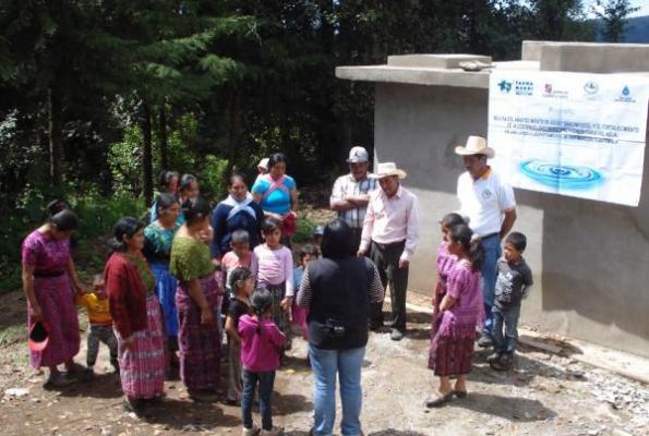 farmamundi debate en la universidad de cyl sobre el acceso al agua y saneamiento en guatemala
