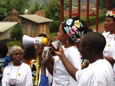 farmamundi con el dia mundial contra la violencia de genero