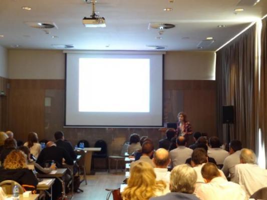 la industria farmaceacuteutica debate sobre el impacto de la nueva directiva europea de falsificacioacuten de medicamentos