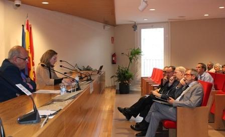 el quotinforme cabezoacutenquot pide maacutes transparencia a la industria farmaceacuteutica para poder evaluar la calidad y el costeefectividad del faacutermaco