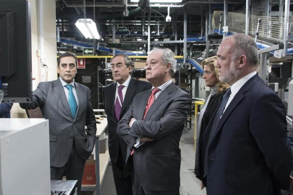 las instalaciones del grupo cofares reciben la visita del presidente de la ceoe