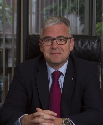 jordi de dalmases reelegido como presidente del colmiddotlegi de farmacegraveutics de barcelonanbsp