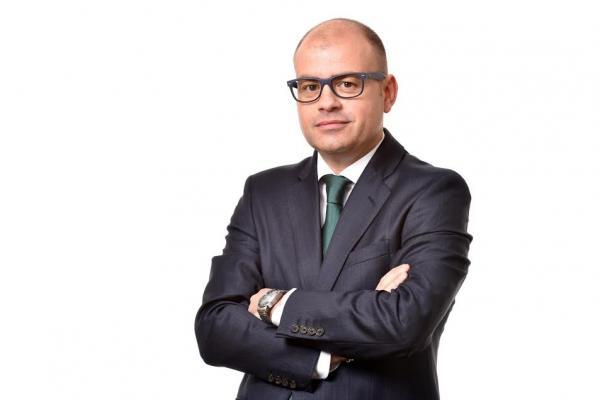 kern pharma nombra a carlos palasi nuevo director comercial