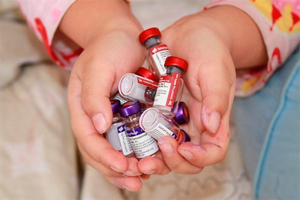 los pediatras destacan la importancia de conocer los efectos de las vacunas