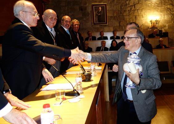 el premio federacioacute farmacegraveutica 2016 de la rafc recae en la fundacioacuten del hospital sant joan de deacuteu