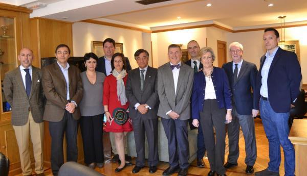 los presidentes de cofm y adefarma se muestran dispuestos a colaborar y cooperar en el futuro