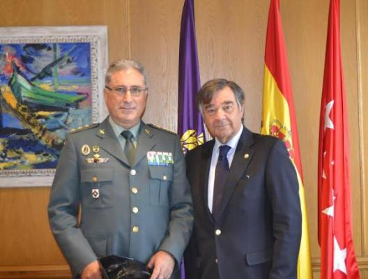 reunioacuten de luis gonzaacutelez con el maacuteximo responsable de la guardia civil en madrid